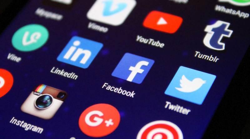 social-network-su-telefono